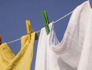 風に揺れる洗濯物