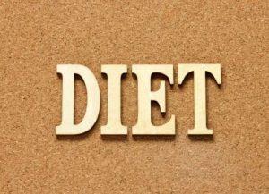 コルクボードにダイエットの文字