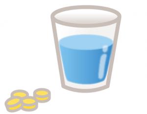 サプリメントと水